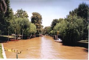 Las aguas rojas del río de las Tres Bocas